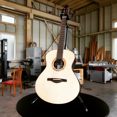 OGINO GUITARS OM