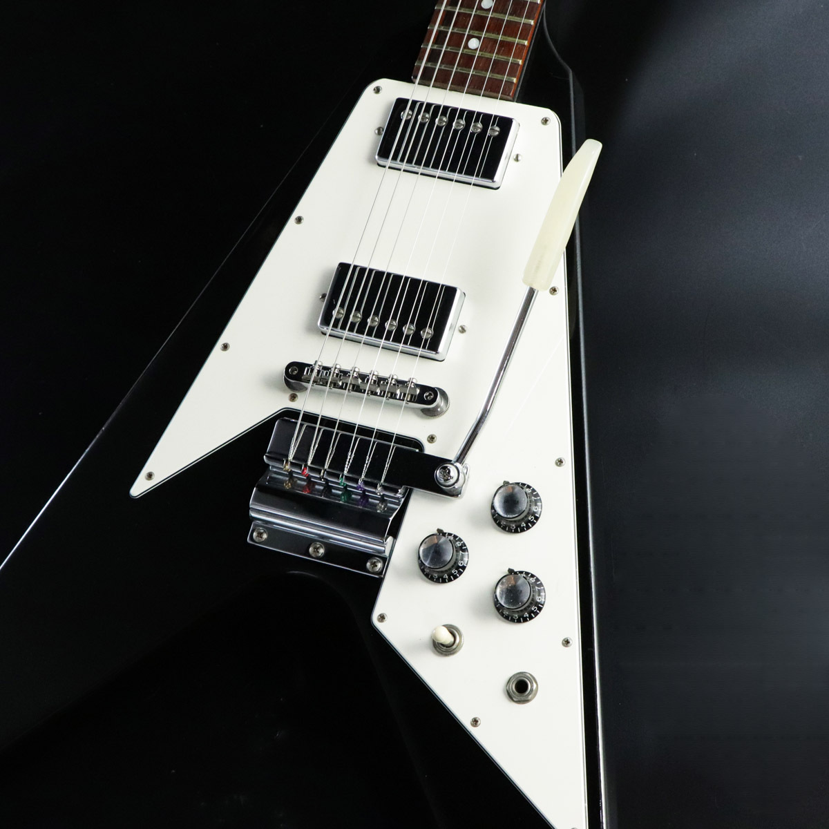 Gibson  Custom Shop 1967 Flying V with Maestro Historic Collection Ebony
