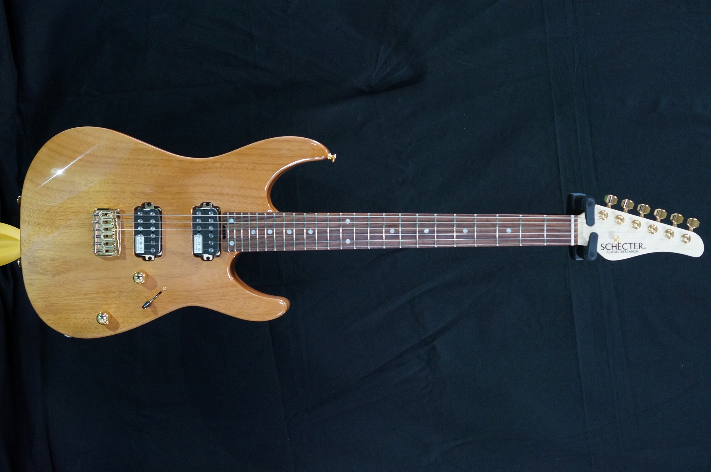 SCHECTER NV-4-24-MH-W